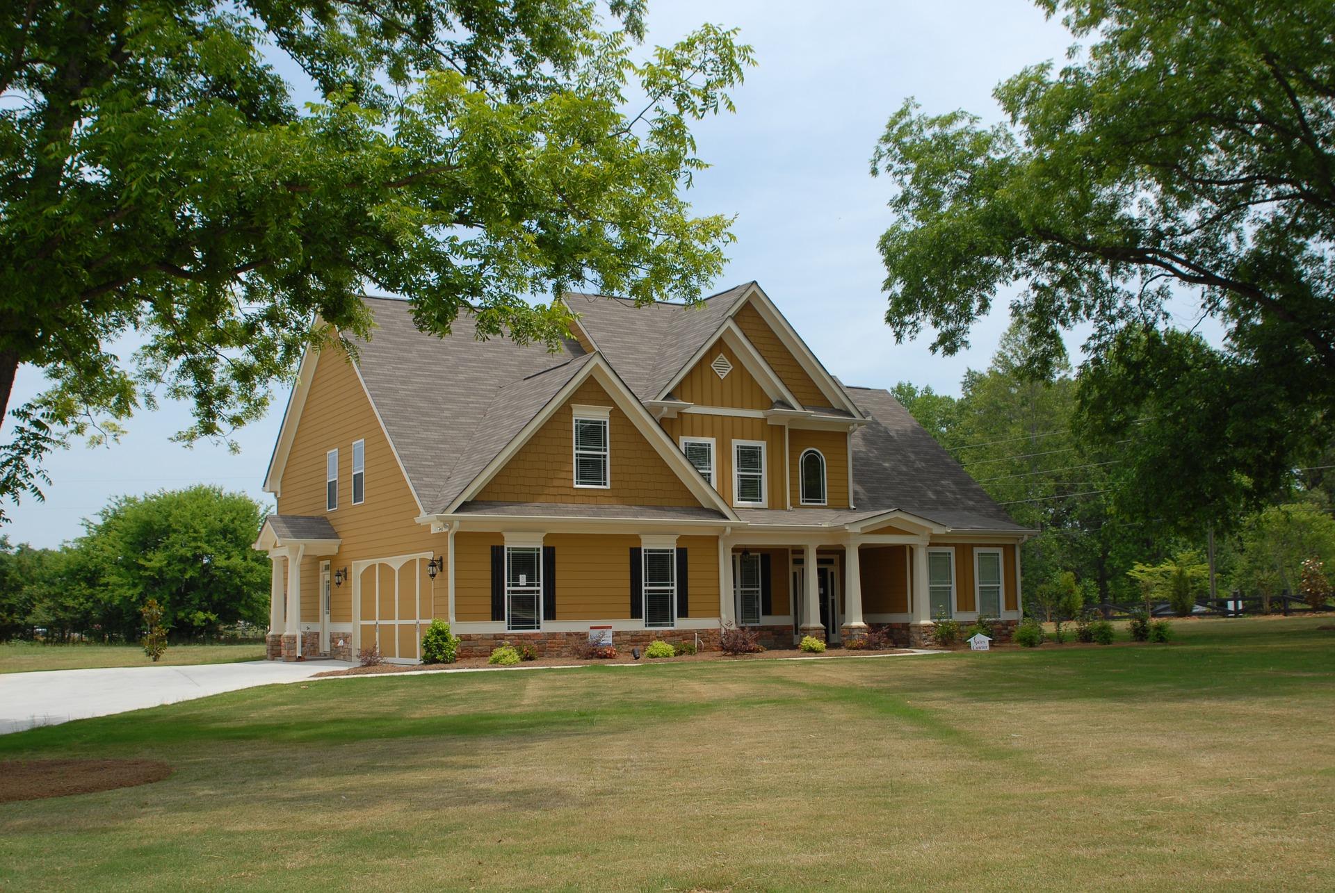 Czy zamiast zakupu drożejących mieszkań Polacy zaczną budować domy?