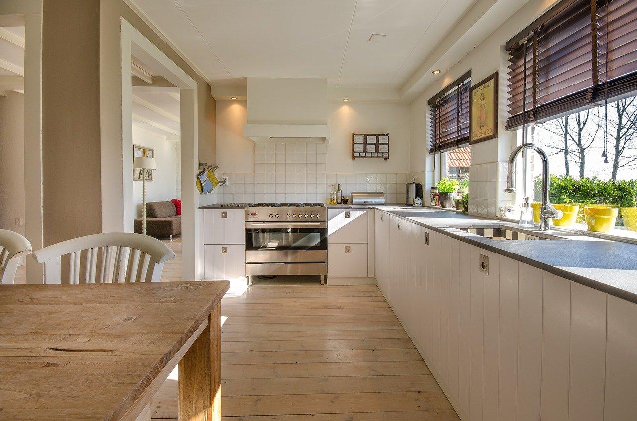 Ogrzewanie podłogowe w całym domu: wady, zalety i koszt inwestycji!