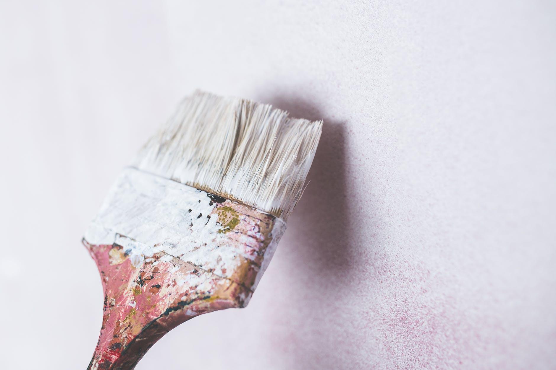 Co najlepiej pomoże usunąć farbę – przegląd rozpuszczalników