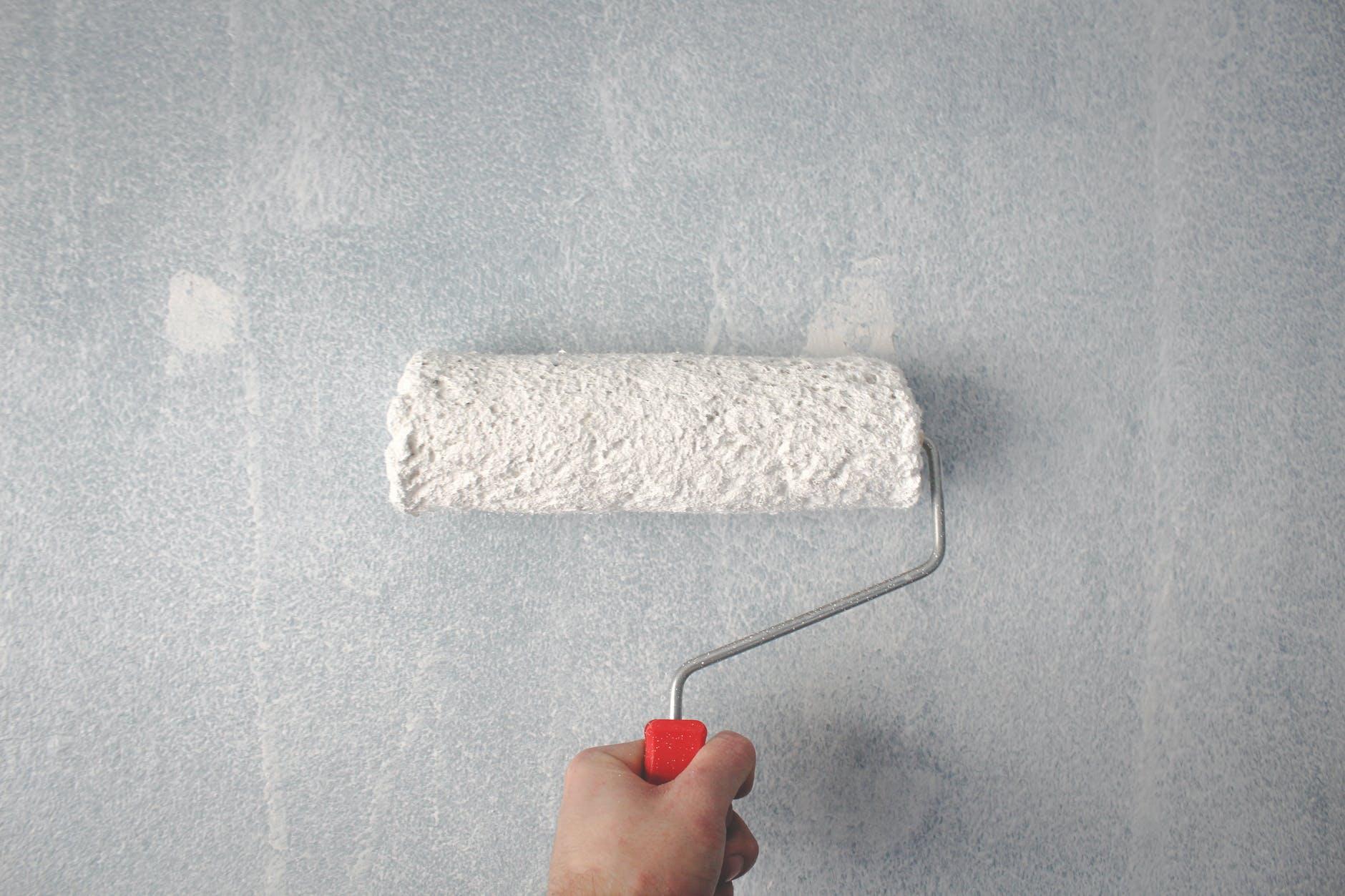 Na to zwróć uwagę przy malowaniu ścian